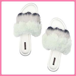 🌸 SALE 🌸 New Victoria's Secret Faux-Fur Slippers